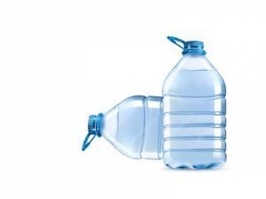 آب مقطر باطری